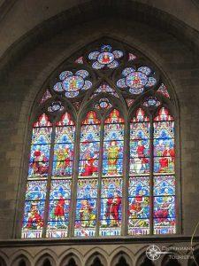 Kunstvolle Buntglasfenster
