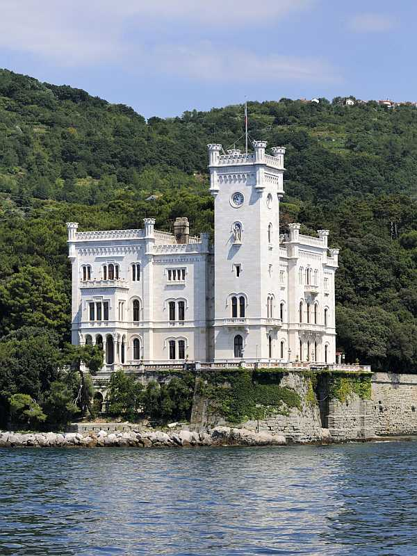 Schloss Miramar in Triest, Italien (Foto: Massimiliano Leban / Fotolia)