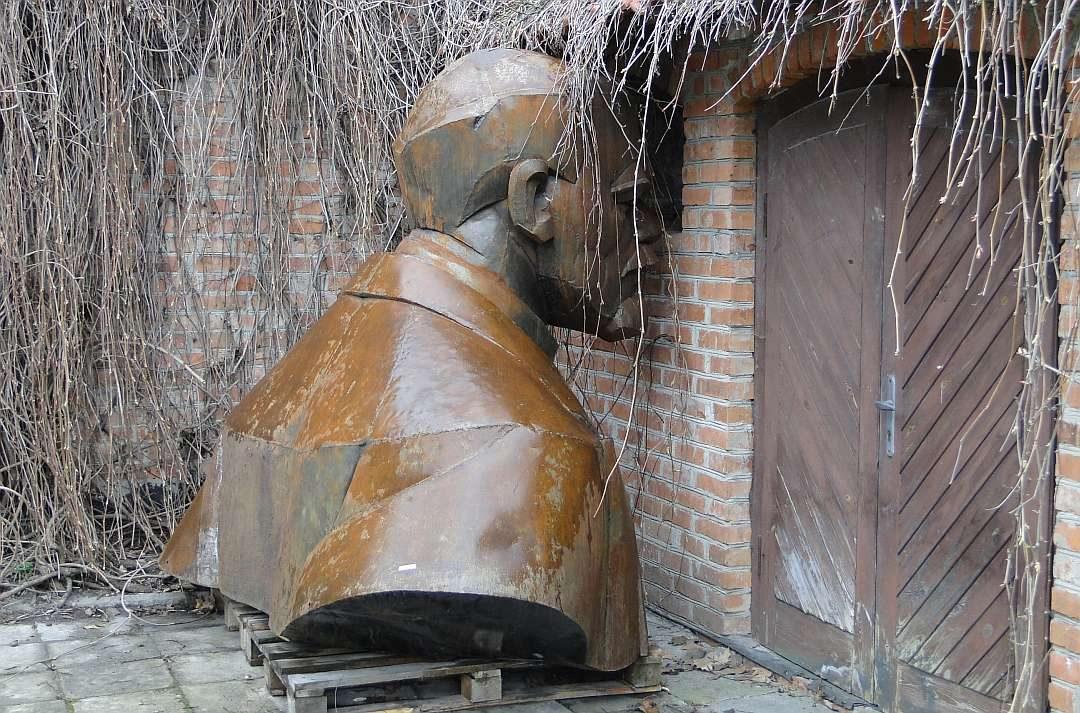 Lenins Denkmal im Museum »Socrealism«
