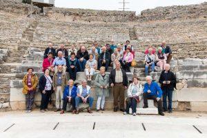 Die Reisegruppe der Griechenland-Inforeise im Amphitheater von Philippi